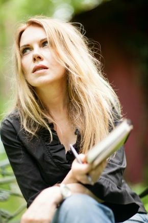 Read my review of Mary Fahl : LIVE AT THE MAUCH CHUNK OPERA HOUSE (DoubleCD)